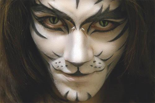 Maquillaje para halloween tarjetaz for Caras pintadas para halloween