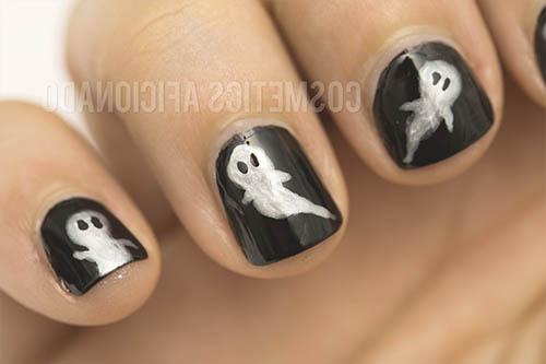 Uñas de fantasmas halloween